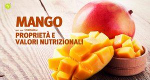 Frutto del mango tagliato e posizionato sopra un tavolo