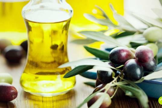 Olio di oliva: 10 usi per la bellezza