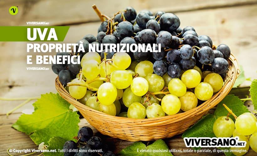 Grappoli di uva bianca e nera