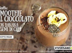 Smoothie alla banana con cioccolato e semi di chia