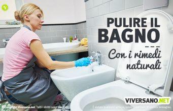 Donna che pulisce il bagno con metodi naturali