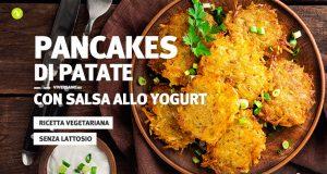 Frittatine o pancakes alle patate in un piatto