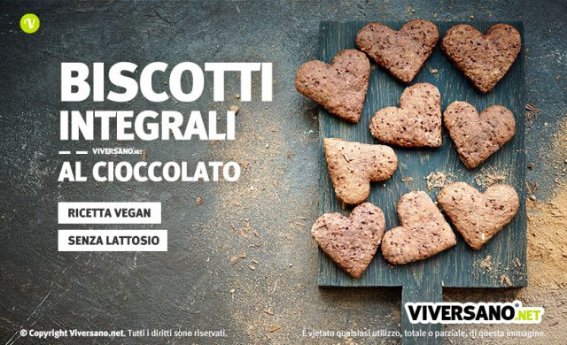 Immagine di biscotti al cioccolato a forma di cuore