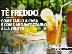 Immagine di bicchiere con tè freddo con ghiaccio e limone