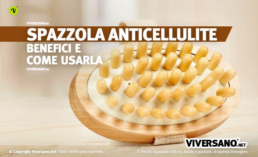 Spazzola anticellulite sopra un tavolo